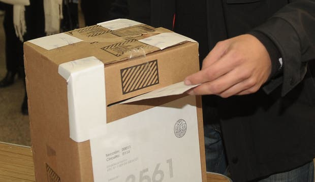 Corrientes elige hoy gobernador y se detectaron intentos de fraude