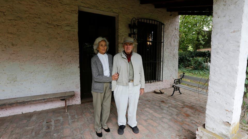 Fernando Terrizano y Alicia Bolalandro pusieron una pulpería en donde originalmante estaba el hospital del pueblo. Foto: LA NACION / Ricardo Pristupluk