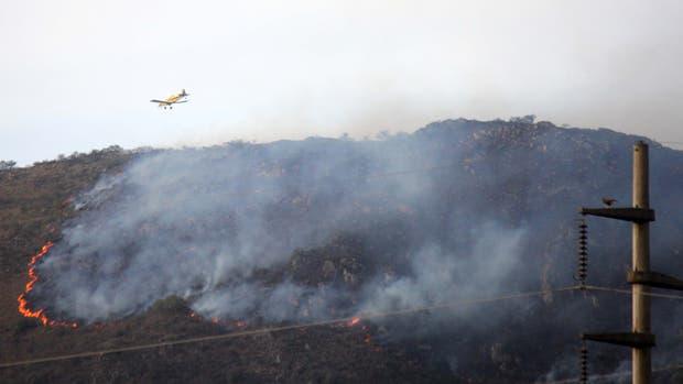 Incendio en las sierras, en cercanías a Villa Carlos Paz