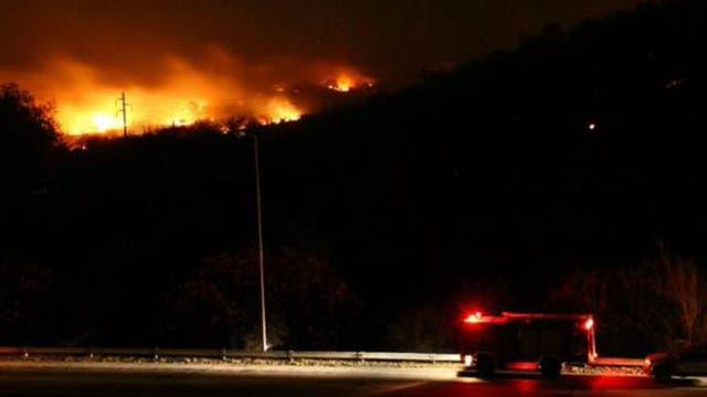 Incendios en Córdoba: la ruta a Carlos Paz cortada