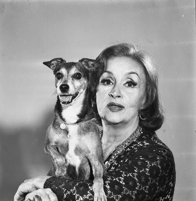Tita Merello, con su perro Corbata