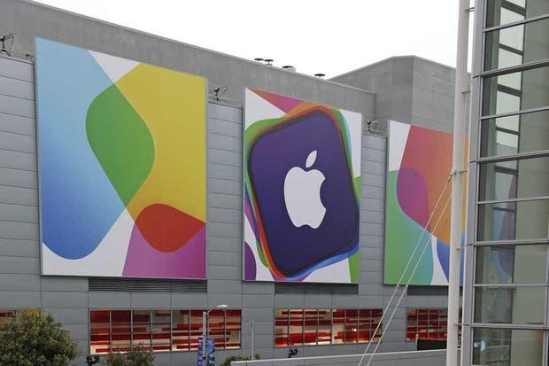 Una vista del Moscone Center en San Francisco, sede habitual de los anuncios de Apple, que presentará los cambios en su plataforma móvil iOS