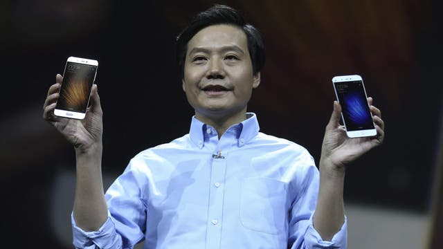 Lei Jun, CEO de Xiaomi, durante el anuncio del Mi 5 en China