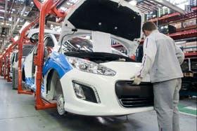 Los obreros suspendidos en la planta de Villa Bosch cobrarán el 65 por ciento del sueldo