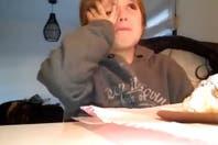 El emotivo video del nene de Racing que llora porque no quiere que vendan a Gustavo Bou