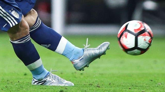 Zurdazo de tiro libre y gol de Messi durante la Copa América Centenario