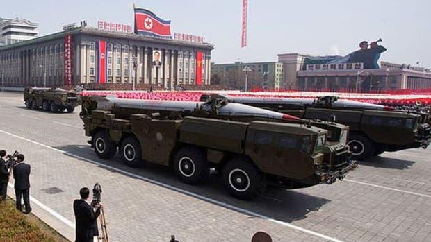 Los misiles Hwasong fueron unos de los protagonistas del desfile de 2012, que conmemoró los 100 años del fundador de Corea del norte, Kim Il-sung
