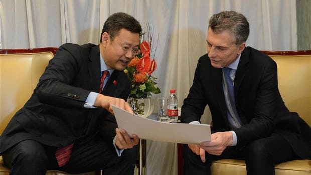 China construirá dos centrales nucleares en Argentina