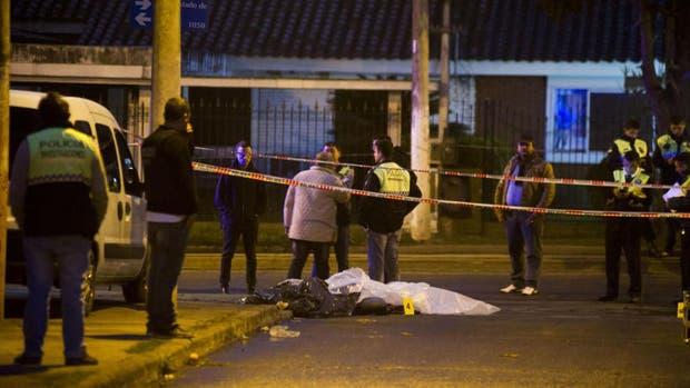 En plena calle, una mujer policía mato a otro agente y se suicidó