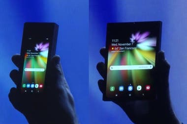 Two versions of the Samsung Flex screen
