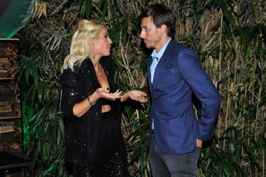 Barbie Simons charló con Roberto García Moritán en su cumpleaños. El marido de la modelo dijo presente en la fiesta y llamó la atención la ausencia de Pampita Ardohain