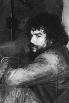 El Che luego de ser apresado en La Higuera. Foto: Fotografía del libro Che Guevara, la vida en juego