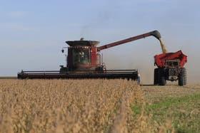 Las fábricas de maquinaria agrícola suman horas extras y empleados