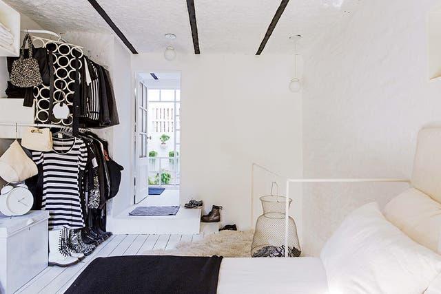 """""""Todas las barandas de la casa son de hierro blanco, bien livianas y con bordes redondeados"""""""