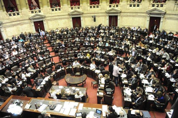 Diputados argentinos debaten una ley para eliminar los fueros parlamentarios