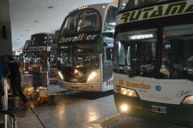 Los colectivos de larga distancia suspendieron los servicios en todo el país