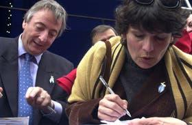 La ex secretaria de Néstor Kirchner relató que manejaba la agenda y recibía la correspondencia; desde su cargo fue testigo de manejos dudosos de dinero
