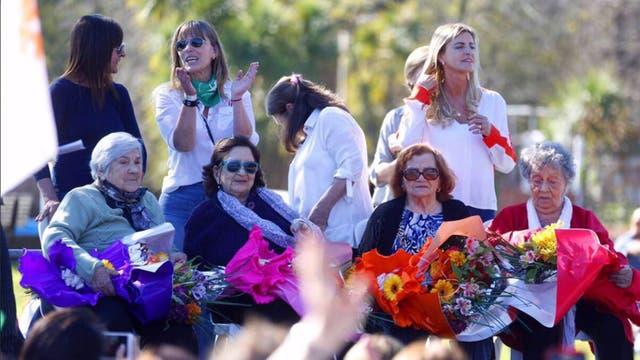 Cristina hizo campaña en Ezeiza rodeada de las candidatas de Unidad Ciudadana y las fundadoras del partido peronista femenino