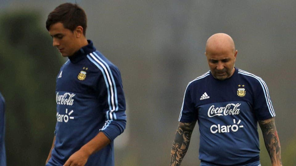 Paulo Dybala: las razones por las que Jorge Sampaoli lo sacó y la historia de su polémica frase sobre Lionel Messi