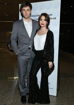 Una pareja que atrae al mundo teen. Benjamín Amadeo y Lali Espósito estuvieron entre las celebrities de la gala del hospital Garrahan.. Foto: Virtual Press