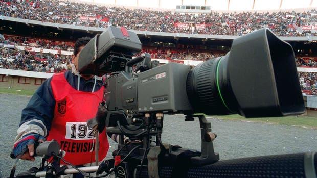 La continua puja por la televisación del fútbol argentino