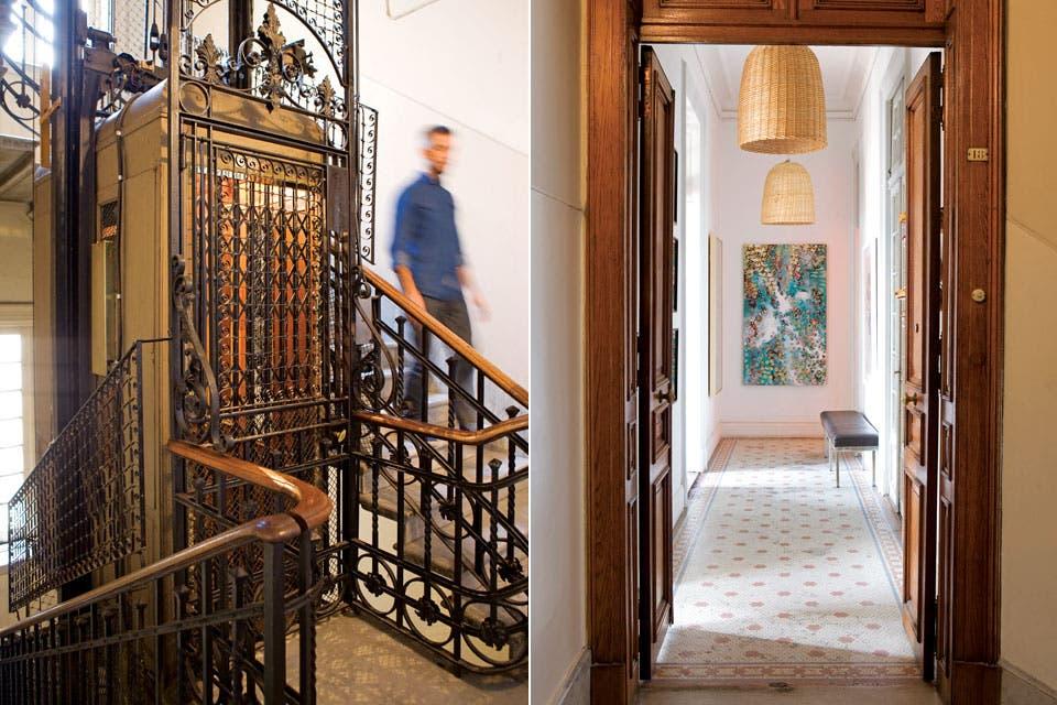 En el hall de entrada y distribución, con piso de mosaicos y puertas originales, lámparas de mimbre, banqueta vintage y obra de Ginette Reynal.  Foto:Living /Javier Picerno
