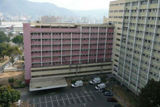 El Hospital Militar se encuentra en las afueras de Caracas. Foto: Panoramio