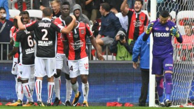 Niza goleó a Monaco y se quedó con su invicto