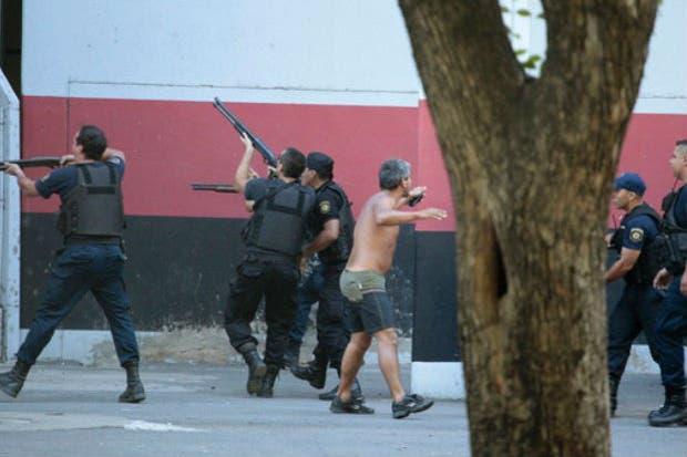 La policía reprime