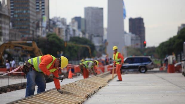 Por la obra vial, fue récord histórico el consumo de asfalto en agosto
