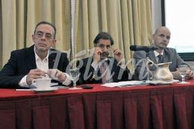 Alberto Stella (ONUSIDA), Martín Santiago (ONU) y Carlos Falistoco