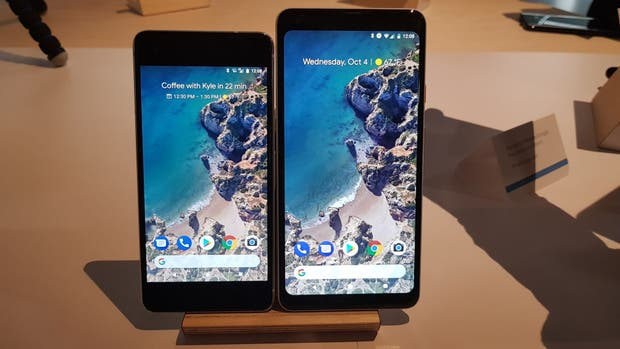 El Pixel 2 (con pantalla de 5 pulgadas) y el Pixel 2 XL (con pantalla de 6 pulgadas)