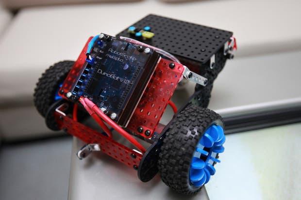 Uno de los robots creados con el kit de RobotGroup y programado con miniBloq