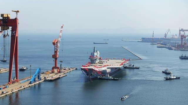 China no se quiere quedar atrás y presentó su nuevo portaaviones. Foto: Reuters