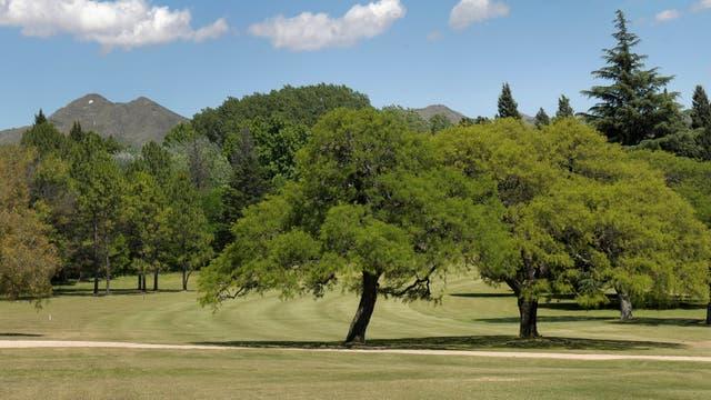 El golf de 18 hoyos