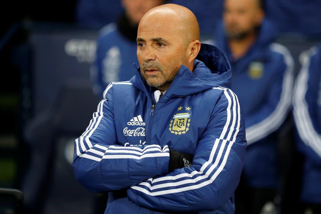 Libra Argentina dura prueba sin Messi; vence 2-0 a Italia