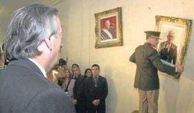 En 2004 ordenó bajar el cuadro de Videla del Colegio Militar