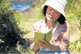 El film está narrado desde el punto de vista de una mujer de 66 años que padece Alzheimer