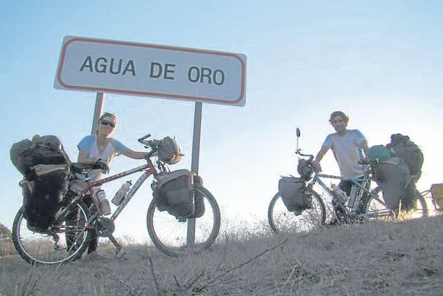 Casi un año pasaron Regina Rabellino y Marcos Canal recorriendo la Argentina, partesde Chile y Uruguay, en su luna de miel, difundiendo el cuidado del medio ambiente