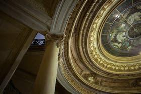 La cúpula oval, que estaba en muy mal estado, quedó nueva