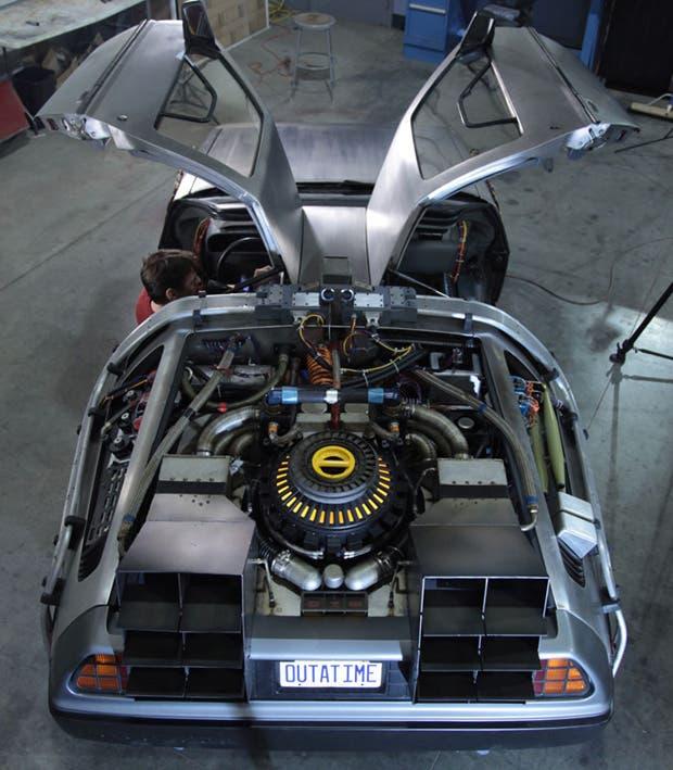 Uno de los creadores de la trilogía emprendió la tarea de devolverle vida al icónico auto. Mirá como quedó