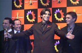 El primer Martín Fierro de Oro en 1992 le fue otorgado a Fax, programa que conducía Nicolás Repetto