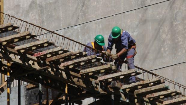 La construcción podría frenar su ritmo por la escasez de algunos insumos