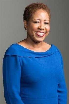 Tras 25 años de experiencia en altos cargos de hotelería, pasó a trabajar en la Casa Blanca en 2011, nombrada por Obama