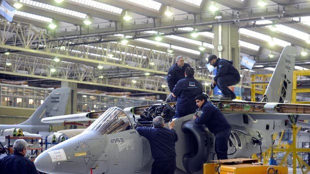 Está en riesgo la línea de producción de aviones en la firma Fadea
