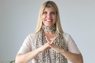 Es docente y creó la primera app que traduce la voz a la lengua de señas