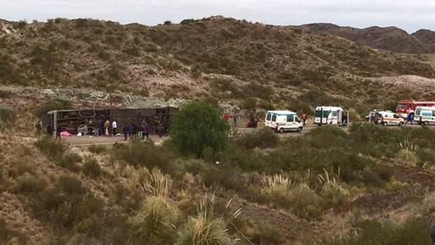 """Accidente en Mendoza: uno de los sobrevivientes dijo que el chofer manejaba """"muy rápido"""""""