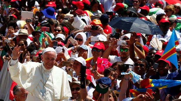 El Papa pidió rezar por las víctimas y familiares de los ataques de Londres