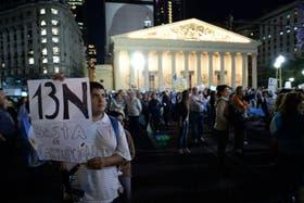 Los protestantes contra el Gobierno se reunieron en la Plaza de Mayo