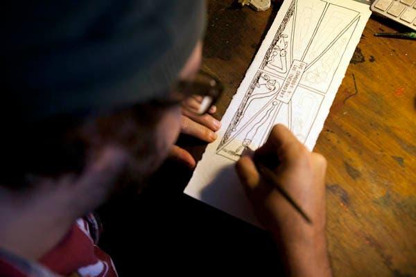 Dibujando la tira que saldría al otro día en La Nación. Foto: Matias Aimar